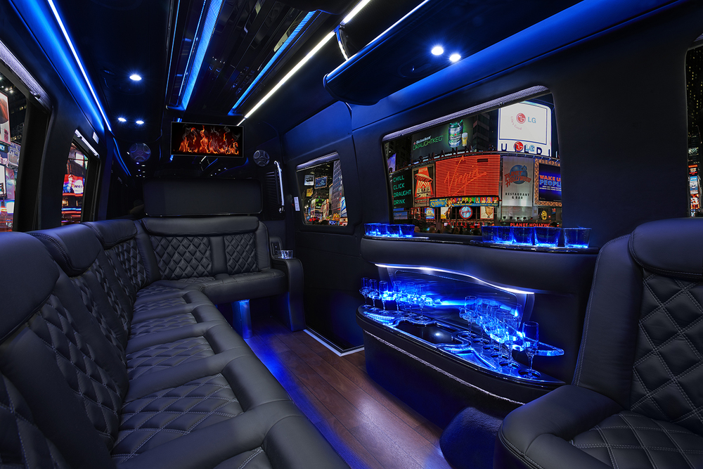what a 166 000 mercedes benz sprinter limousine looks like laac car service. Black Bedroom Furniture Sets. Home Design Ideas